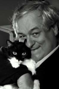 Milo con la gattina Luna (foto Nicodemo)