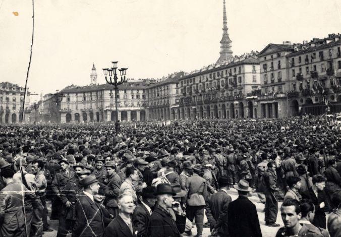 1200px-6_maggio_1945_liberazione_torino